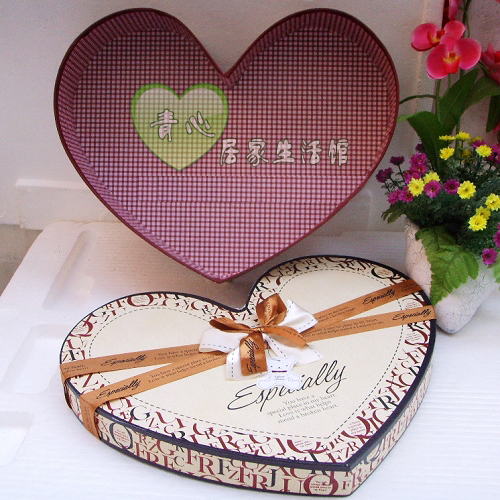 千纸鹤礼服超大英文米黄色爱心形礼品包装盒