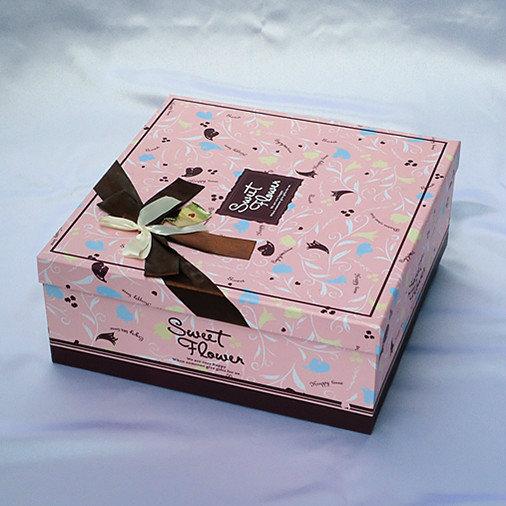 正方形礼品盒,喜庆贺礼礼品包装盒