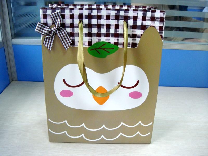 小鸟图案手提纸袋_包装袋设计欣赏