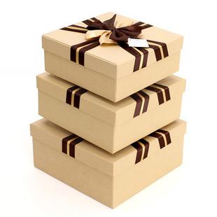 土黄底正方形三件套礼盒
