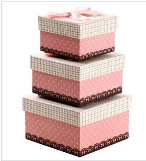 粉色格子精美礼物盒 可爱方形包装盒