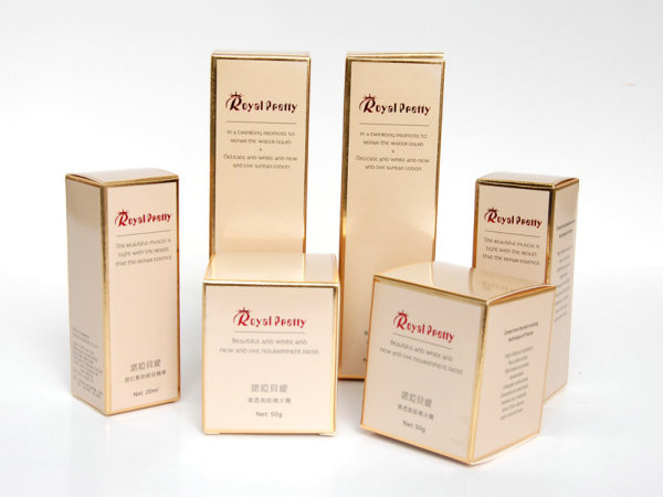 国外高档简约的化妆品包装盒设计欣赏