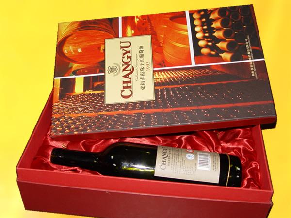 红酒包装箱木质包装设计欣赏